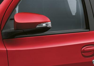 Espejos exteriores con luz de giro incorporada