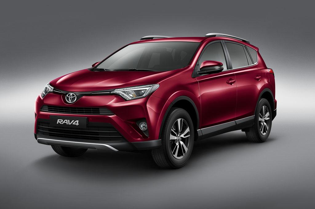Toyota actualiza a la pionera del segmento SUV, la RAV4