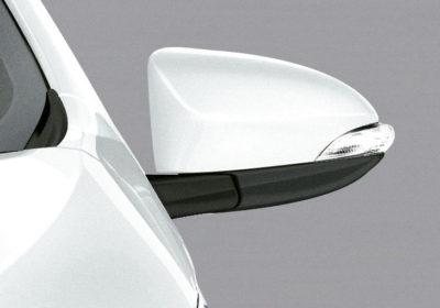 Espejos exteriores con regulación eléctrica y luz de giro incorporada