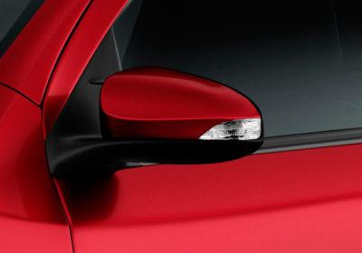 Espejos exteriores con luz de giro incorporado y regulación eléctrica