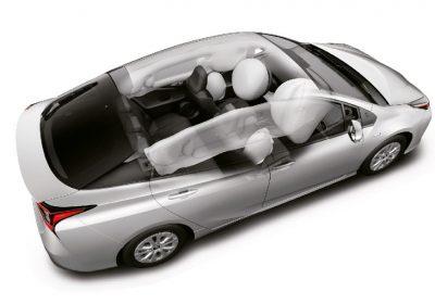 Airbags frontales, laterales, de rodilla para conductor y de cortina.