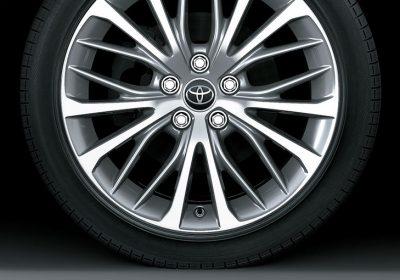 """Neumáticos y llantas de aleación de 18"""""""
