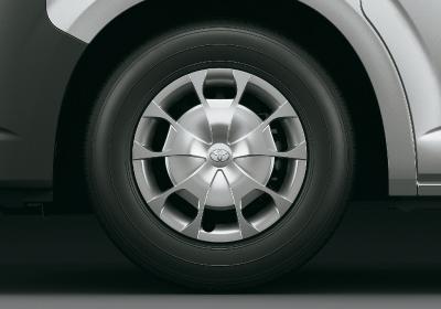 Llantas de acero 16´´ con neumáticos 215/70 R16.